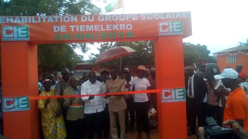 Remise des clés d'une école réhabilitée à Tiémélékro