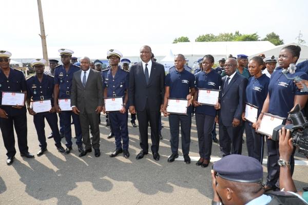 Sécurité et défense : 8 stagiaires des forces Armées et de Police diplômés en télé-pilotage de Drones