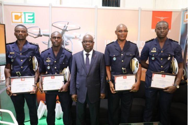 Salon de l'armement : Formés par la CIE, 8 stagiaires des forces Armées et de Police diplômés en télé-pilotage de Drones
